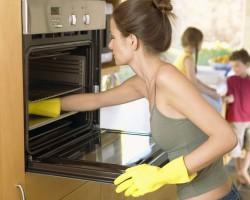 Быстрые способы мытья духовки