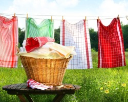 Как можно отстирать от жира и других загрязнений кухонные полотенца