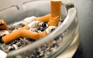 Как устранить запах табака с одежды