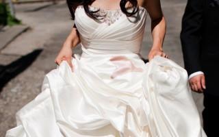 Как самостоятельно отстирать свадебное платье от пятен в домашних условиях