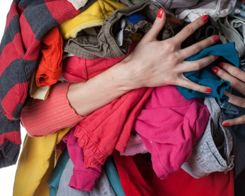 Устранение неприятного запаха от одежды и обуви из секонд-хенда