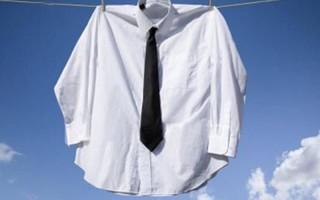 Как стирать рубашки руками и в стиральной машинке