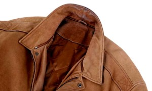 Чистка курток от засаленности на воротниках и рукавах