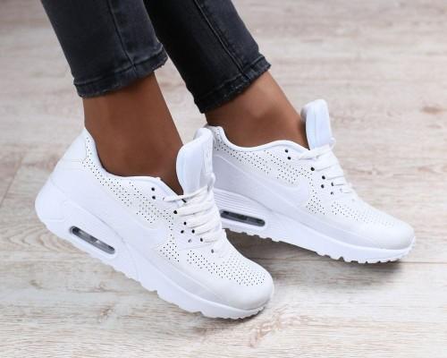 Как ухаживать за белой обувью