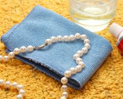 Как быстро и эффективно можно самому почистить жемчуг