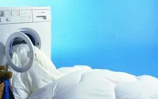 Как правильно постирать пуховое одеяло в домашних условиях