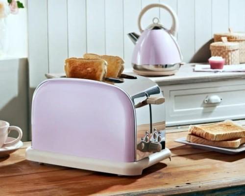 Уход за тостером: чистка от крошек и нагара