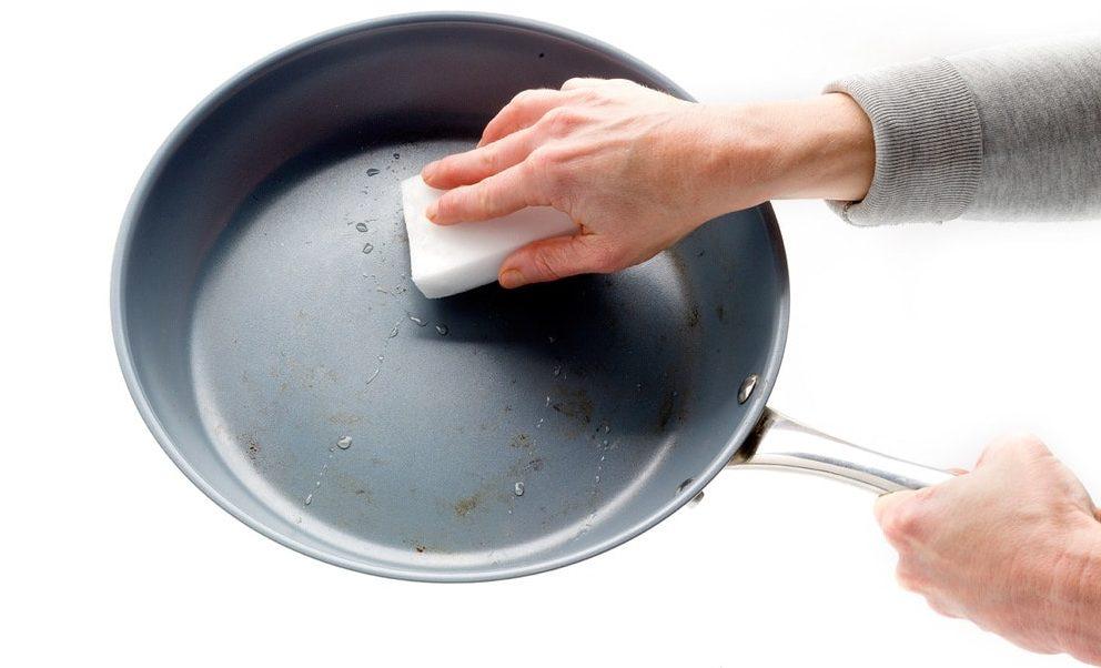 Как отмыть сковороду с антипригарным покрытием от нагара внутри