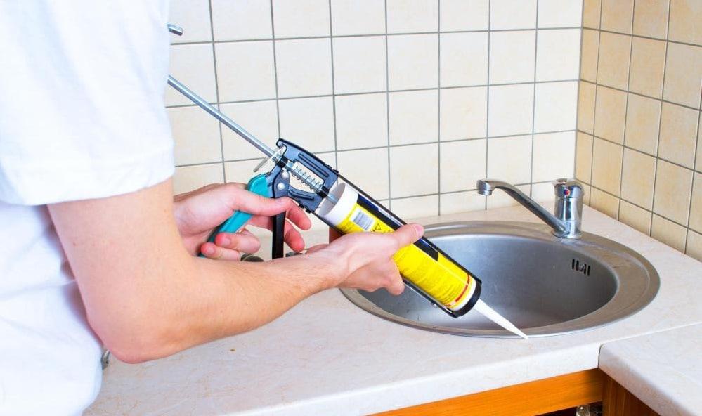 Чем отмыть силиконовый герметик