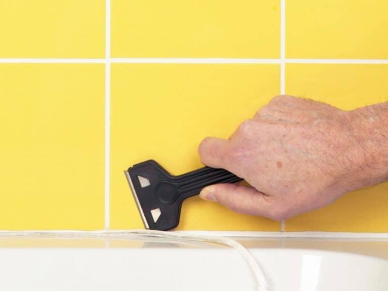 Очищение силикона в ванной