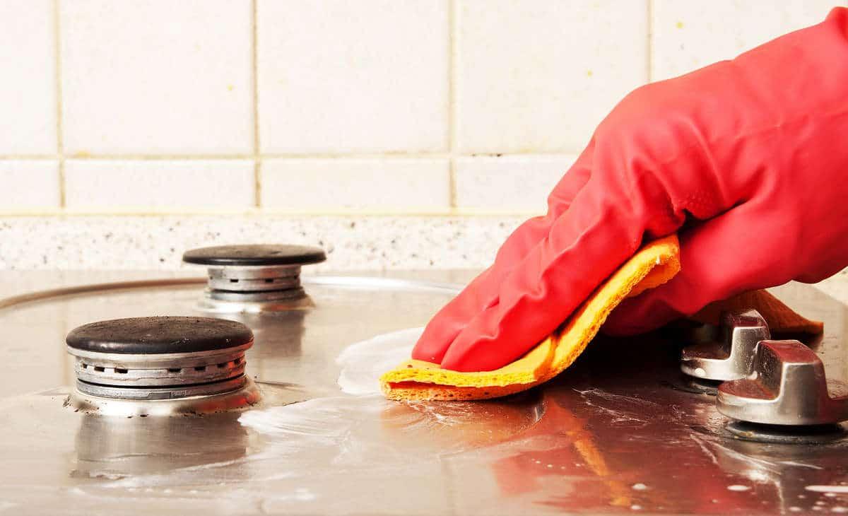 Как отмыть плиту от нагара и жира в домашних условиях