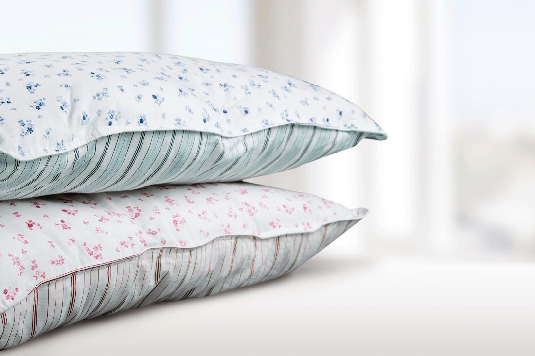 Как почистить подушки перьевые в домашних условиях