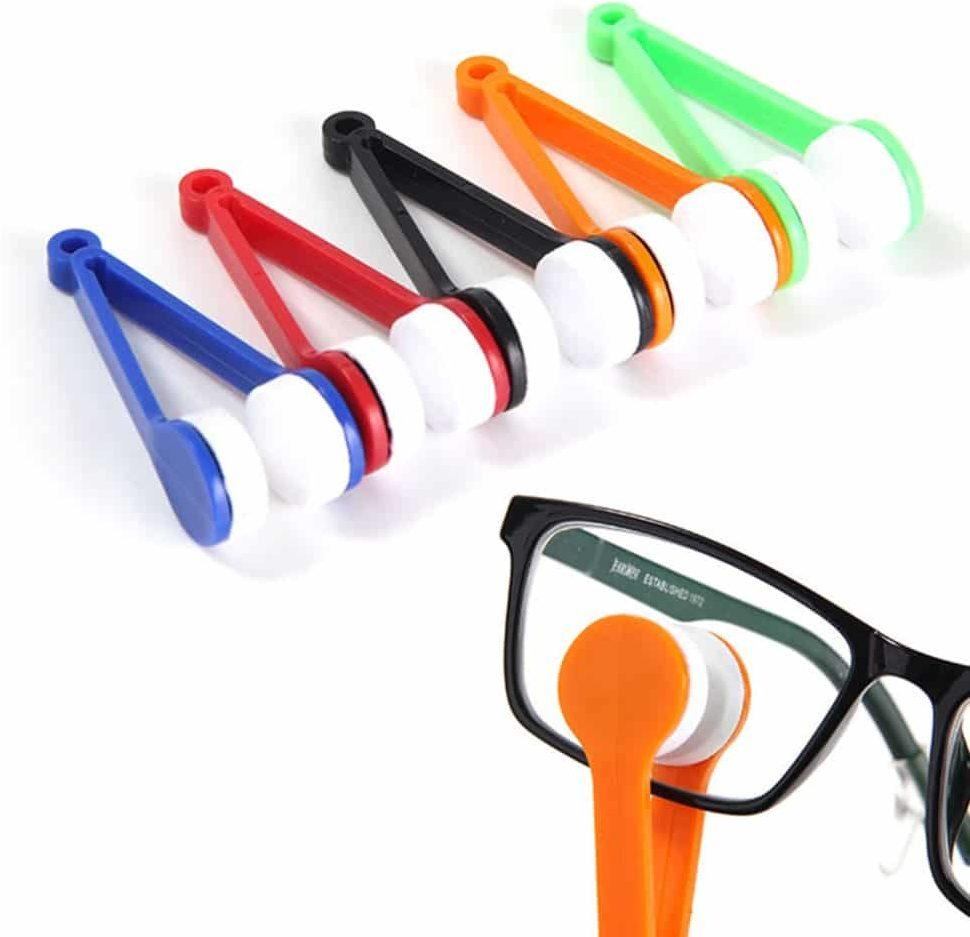 Чистка стекол в очках