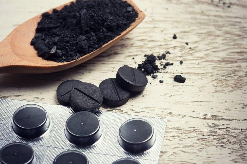 Как быстро помыть посуду активированным углем