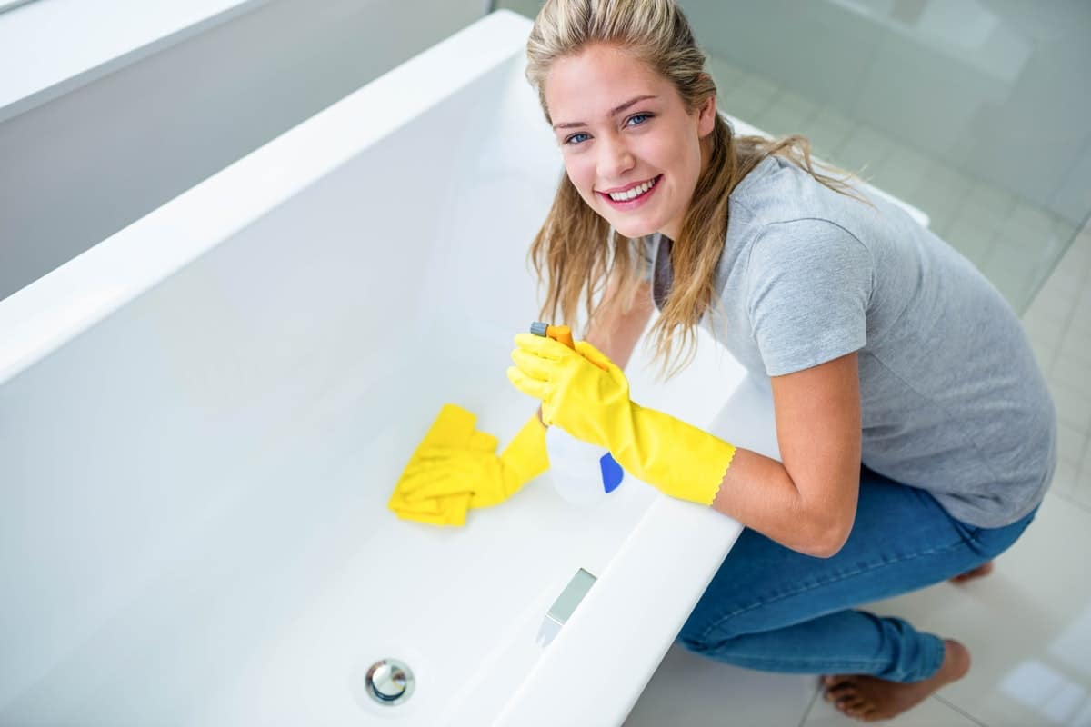 Как отчистить ванну добела в домашних условиях