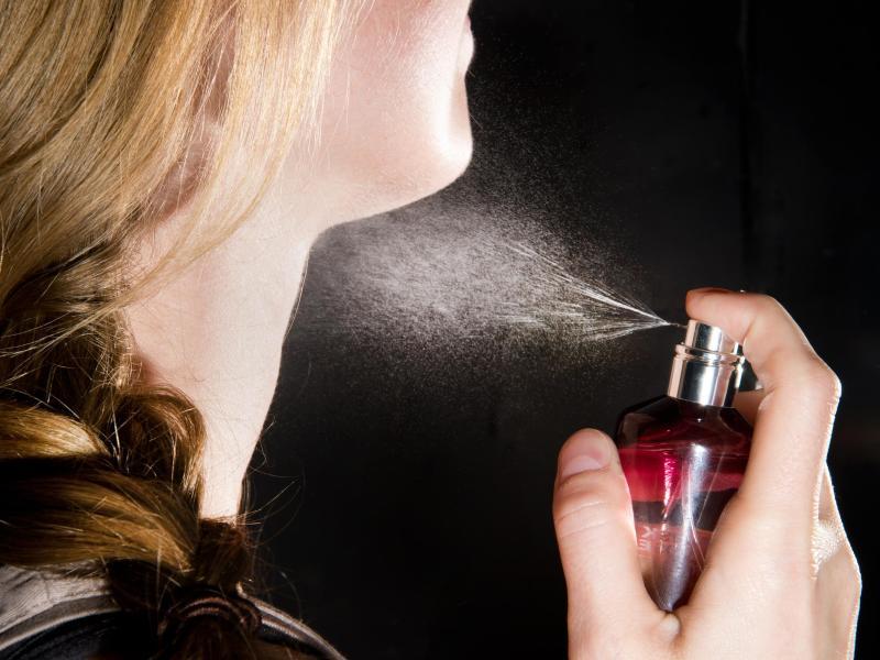 Как избавиться от запаха духов