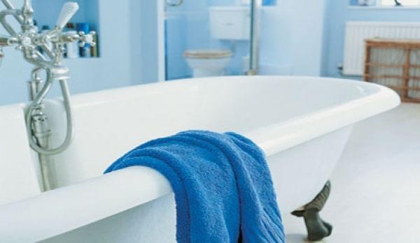 Очистка чугунной ванны