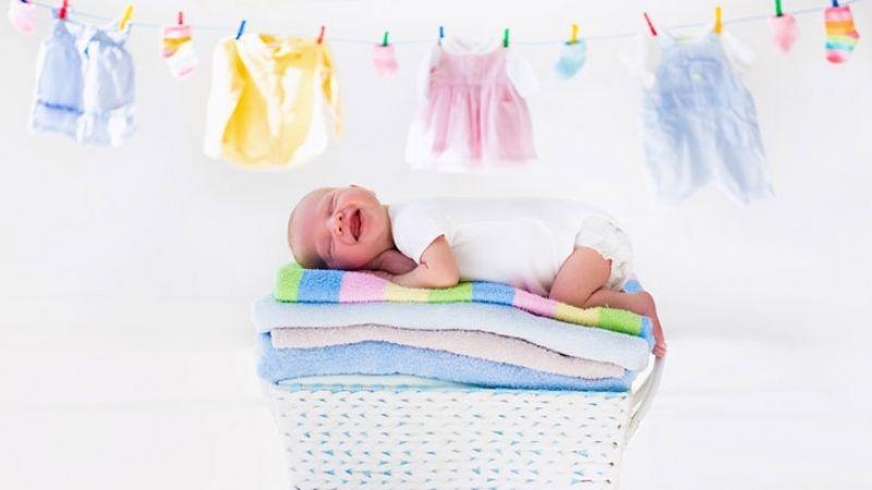 Стирка вещей для новорожденных малышей