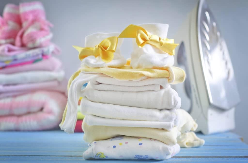 Как погладить вещи для новорожденного