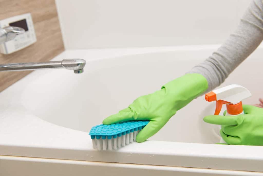 Очистка ванны из чугуна