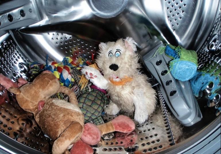 Стирка игрушек в машинке
