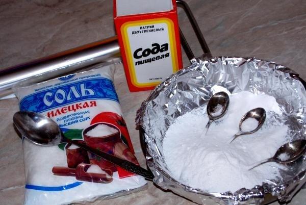 Народные методы для очистки столовых приборов