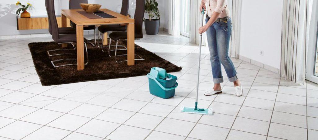 Отмываем плитку от строительной пыли