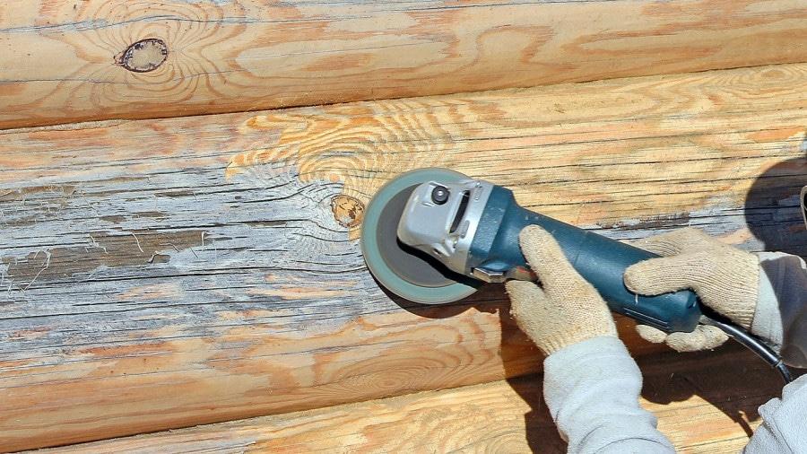 Очистка старой краски с деревянных поверхностей