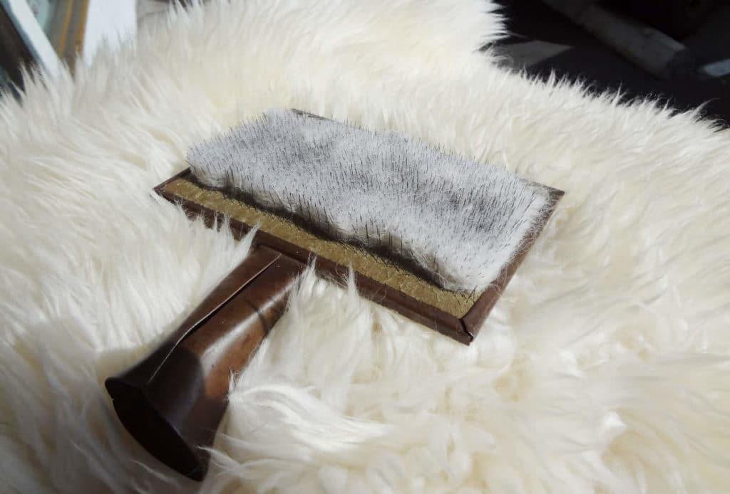 Чем чистить овечью шкуру